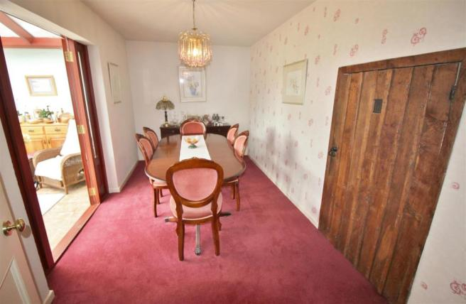 Dining Room.JPG