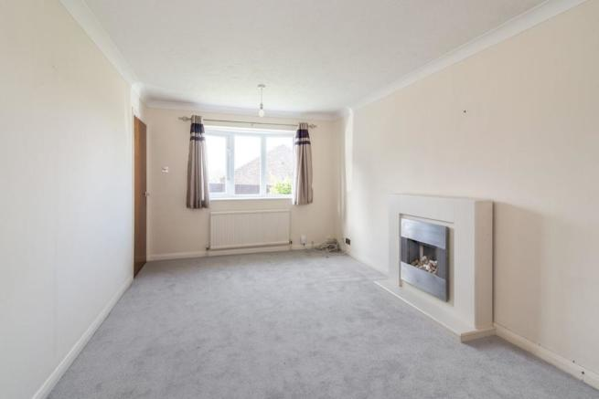 2 Bedroom Bungalow For Sale In Holbein Close Basingstoke