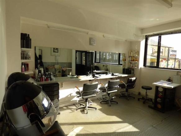 HAIRDRESSERS STUDIO