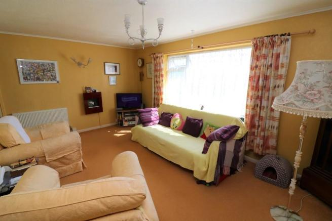 2 Bedroom Semi Detached Bungalow For Sale In 9 Holloway