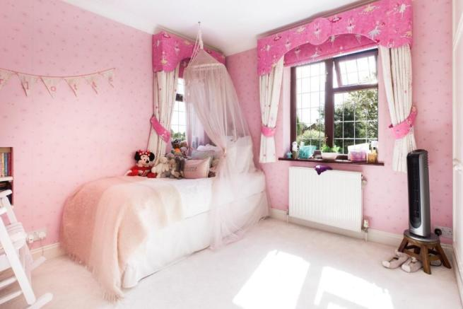 bed 3 G.jpg