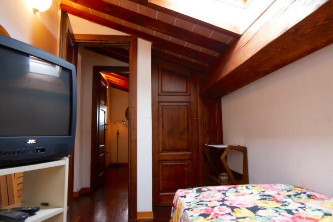 attic bedroom 1
