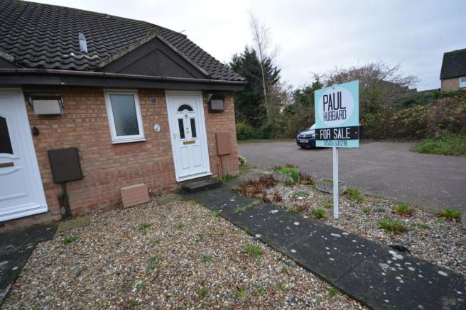 1 Bedroom End Of Terrace House For Sale In Lucerne Close