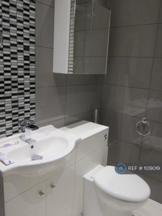 Bathroom - Pic 1