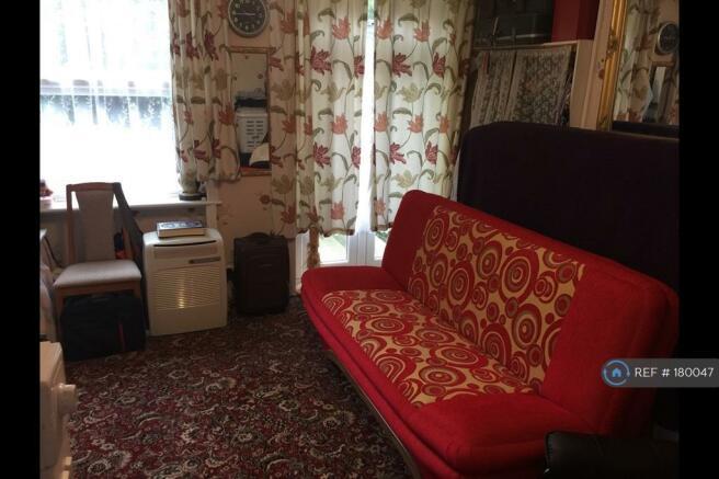 Bedroom 1 In Lounge Mode