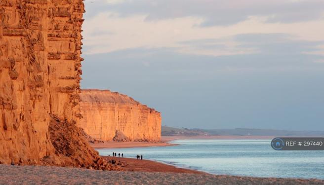 West Bay(Broadchurch) Is 3mls