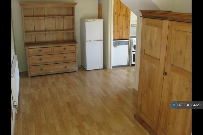 Studio Flat Dining/Living Downstairs