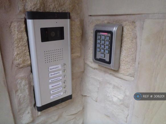 Secure Colour Video Entrance System