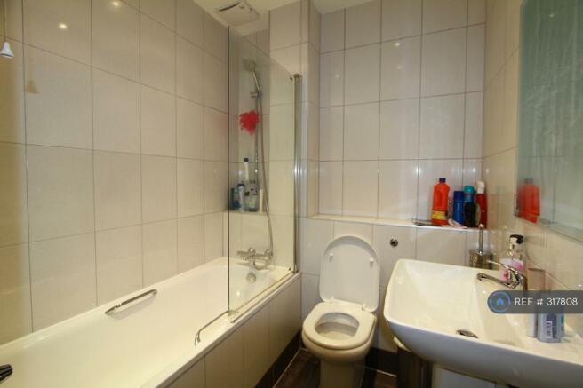 Elly House Bathroom