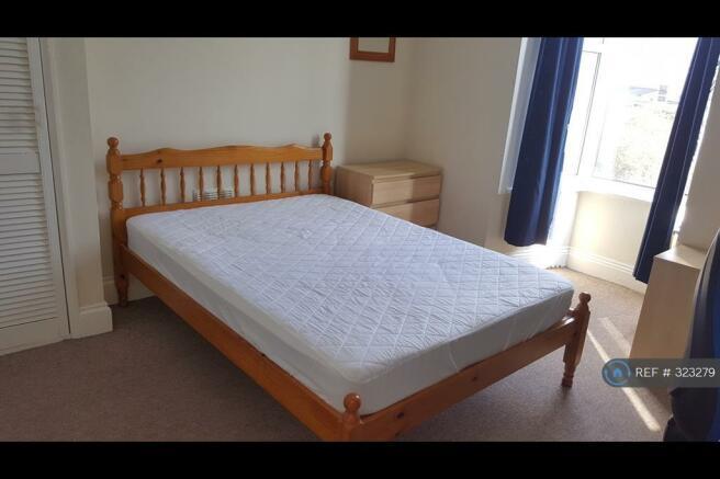 Medium Double Bedroom