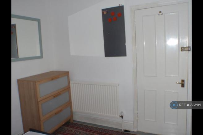 Bed 3 Upstairs Middle