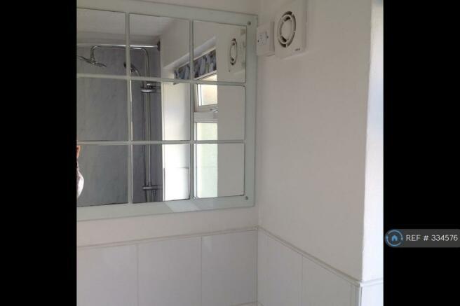 Bathroom Picture 3