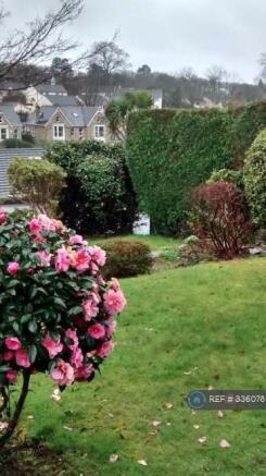 Large Front & Back Gardens