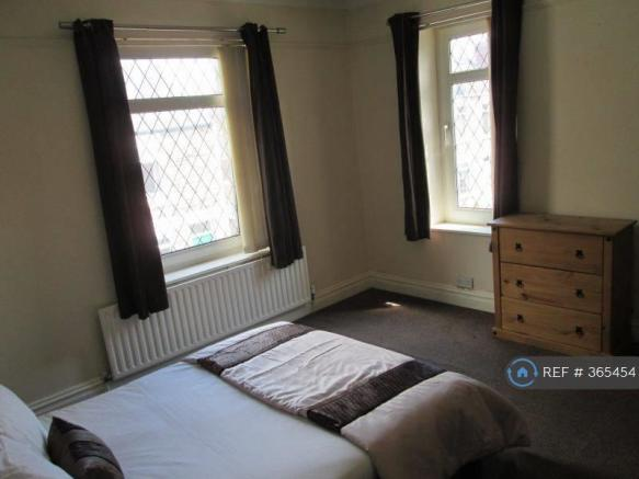 Double Room (Available)