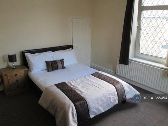 Large Double Room (Available)
