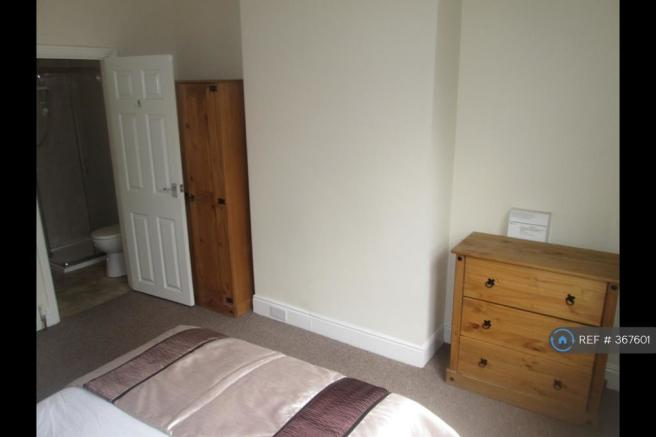 Fantastic Double Room Fully Furnished