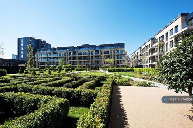 Gardens And Entrance To Ingrebourne Aprtments