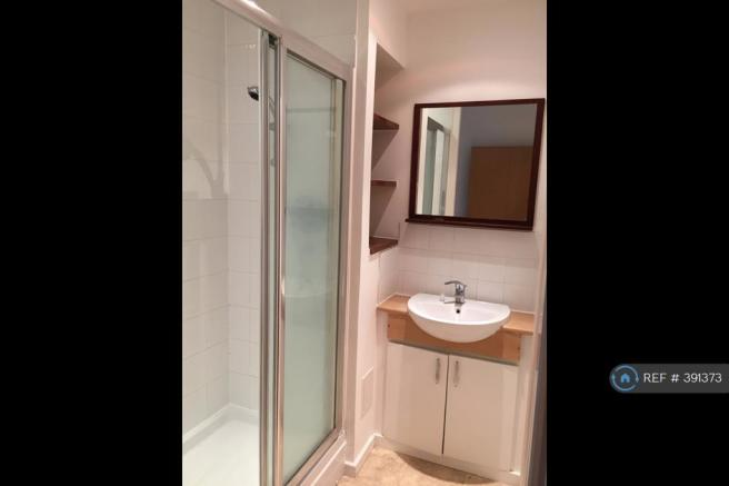 Master Bedroom Ensuite Shower & Wc
