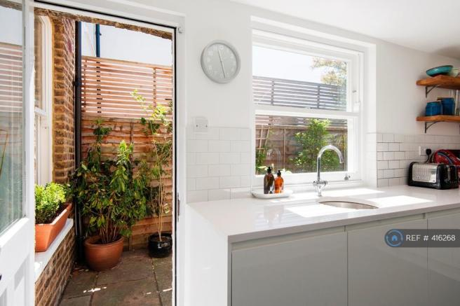 Kitchen Through To Garden