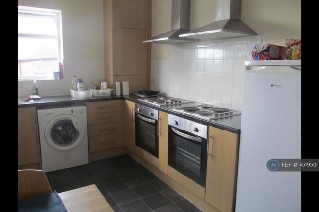Kitchen With Two Ovens/Hobs
