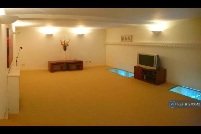 Bedroom / Living Room 3