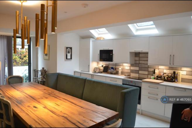 Large Kitchen Dining Room And Access To Garden
