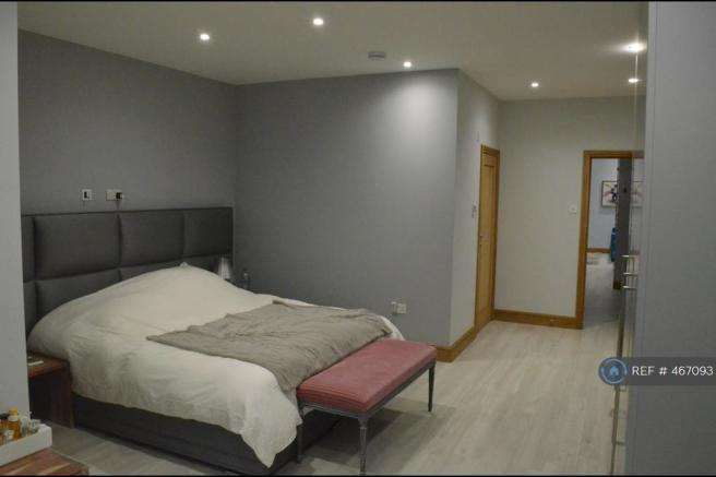 Large Rear Bedroom With Ensuite