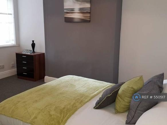 Great En-Suite Double Room (Available)