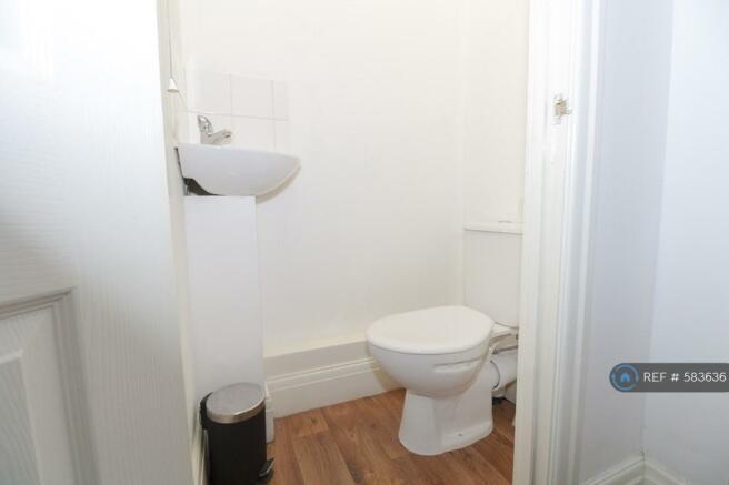 Extra Bathroom - No Queues!