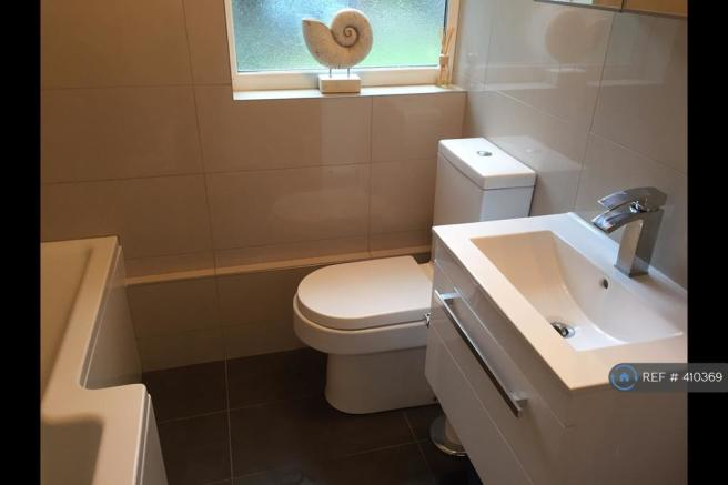Sink Unit, Toilet & l Shape Bath