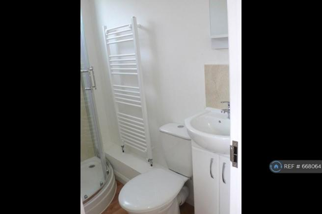 3 Shower Rooms With Toilet/Basin