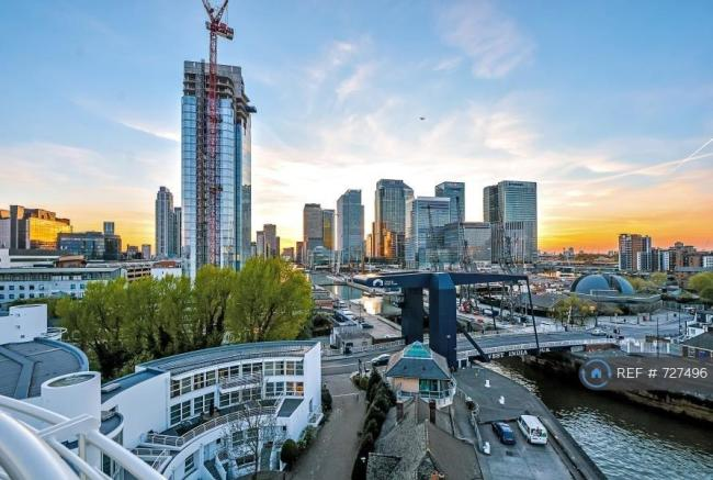 Walking Distance To Canary Wharf Big Firms