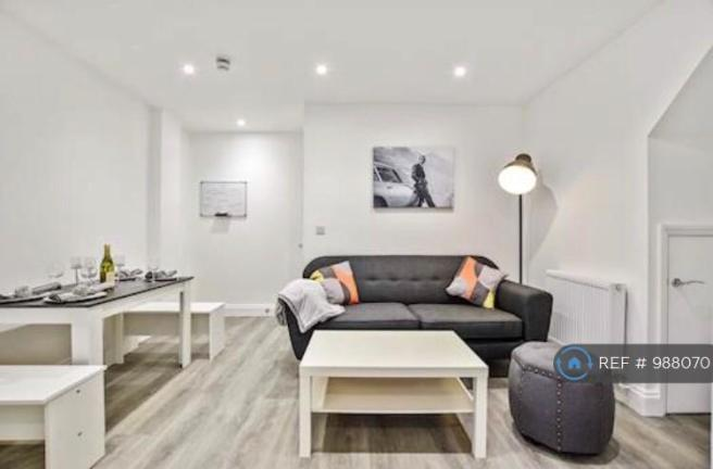Luxurious Living, Enjoy a Coffee With Housemates