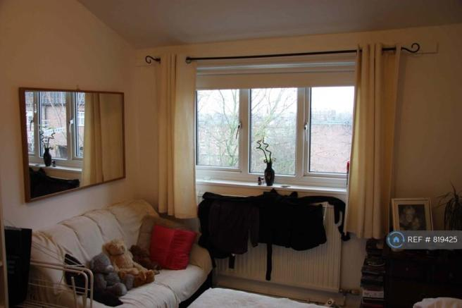 4 bedroom flat share to rent in Buxton Road, London, N19, N19