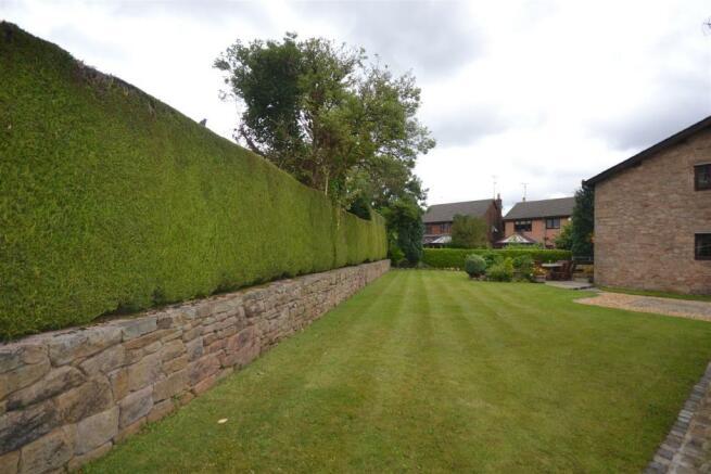 Second Side Garden