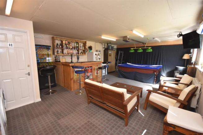 Garage/Pool Room