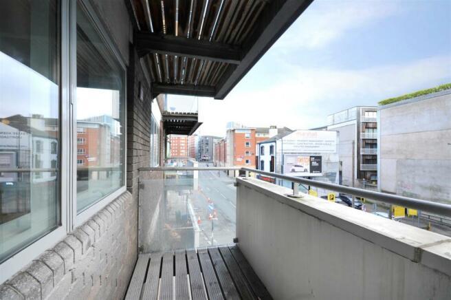 4 Peter House (balcony pic 2).jpg