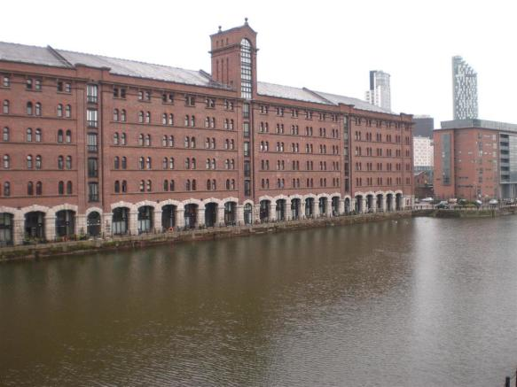 289 Waterloo Quay (view).JPG
