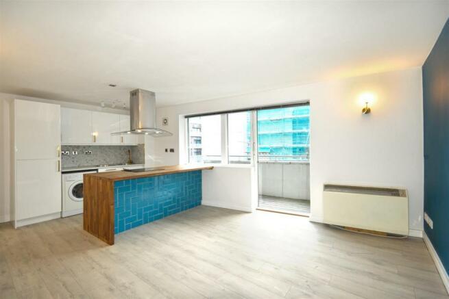 4 Peter House (lounge kitchen).jpg