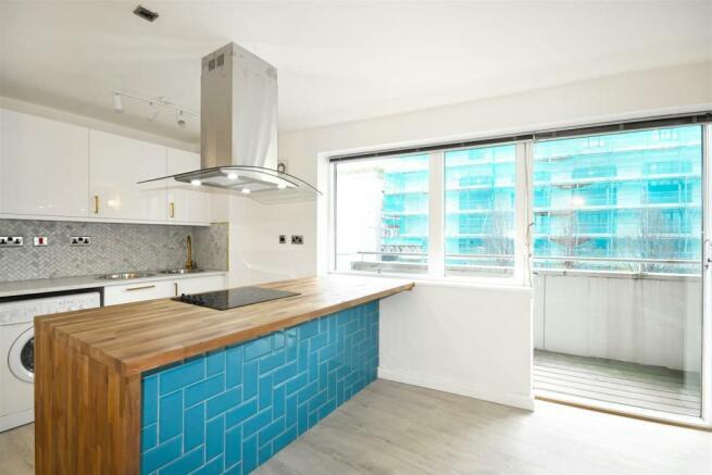 4 Peter House (kitchen).jpg
