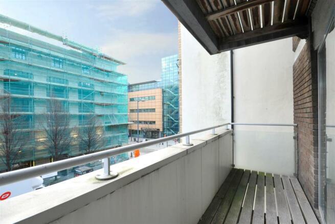 4 Peter House (balcony pic 1).jpg