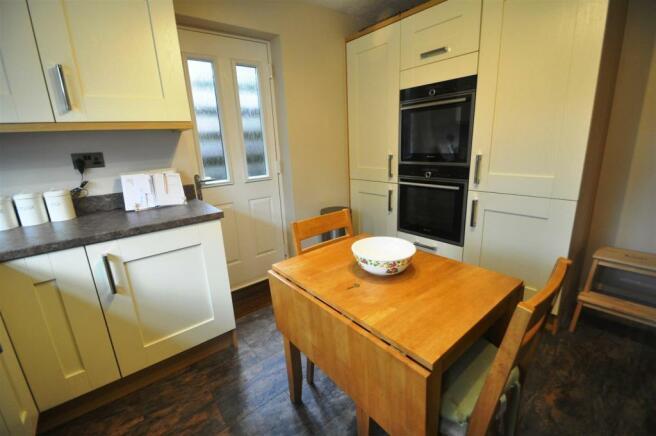 Barnack Kitchen2.jpg