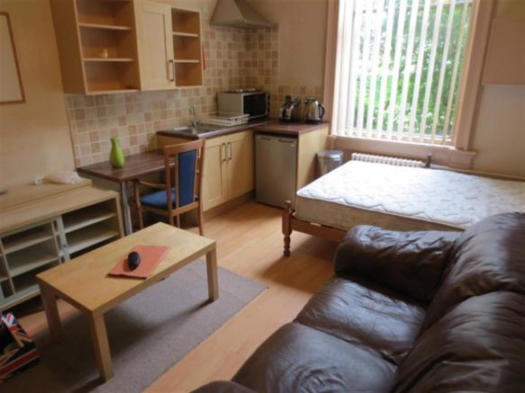 Bedroom with kitchen 2