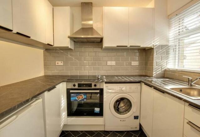 313_24 Cedar Way kitchen 1.jpg