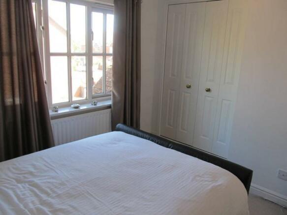 129_Mocatta Way 25 Bedroom 1 pic 2.JPG
