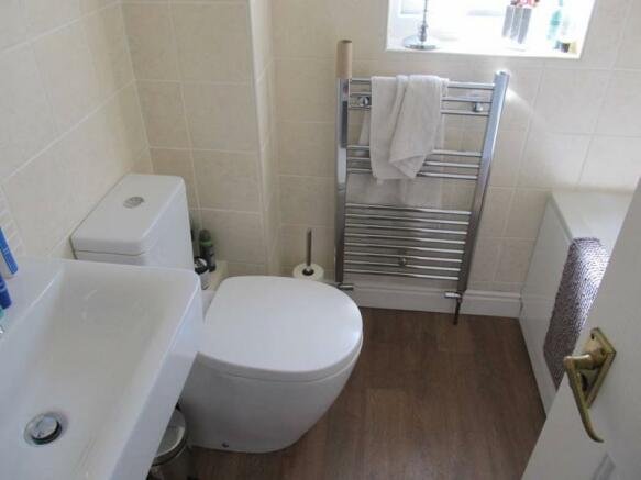 129_Mocatta Way 25 Bathroom.JPG