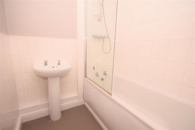 152 crete bathroom.jpg