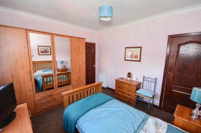 Bedroom 2 Aspe...