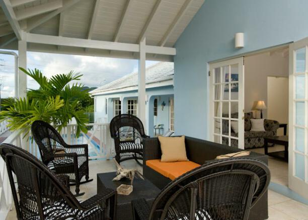 Lounge verandah