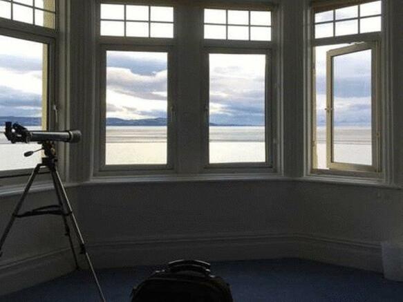 Lounge/ View